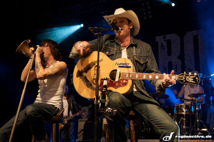 """trash country punk rock"" - Livefotos: The BossHoss live in der Europahalle Karlsruhe"